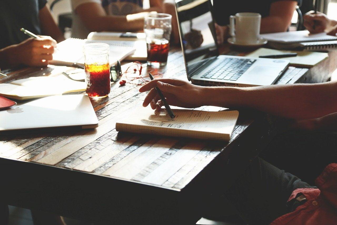 Manşet, iş hayatında başarı, etkili ve güçlü çevre edinmenin yolları, çevre edinme